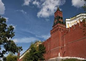 Russia, Moscow: Rampart with tower of the Kremlin.