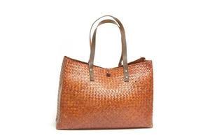 vrouwelijke rieten tas