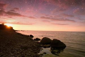 coucher de soleil en mer.
