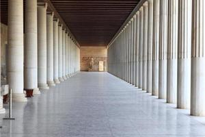 arcade à colonnes du musée