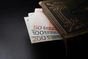 euro notes photo