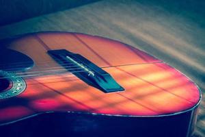 guitarra acústica, de cerca