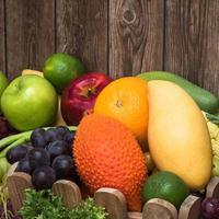 primer plano de frutas tropicales