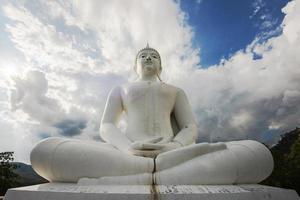 La gran estatua blanca de Buda, Tailandia