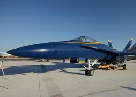 avión de combate de la marina foto