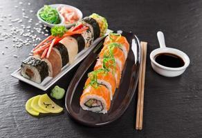 japanisches Sushi-Set mit Meeresfrüchten
