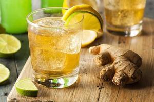 gaseosa orgánica de ginger ale foto