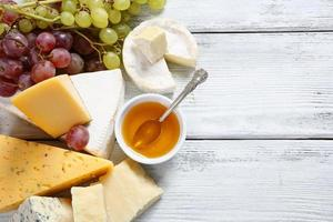 Delicious cheeses with honey