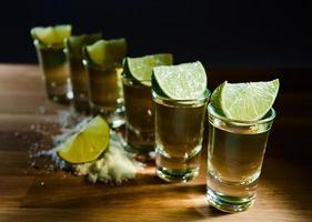 tequila, lima y sal foto