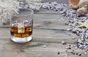whisky entre conchas foto