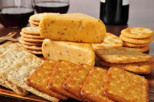 Cheese and crackers with red wine