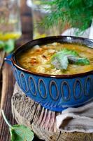 sopa con mijo y verduras