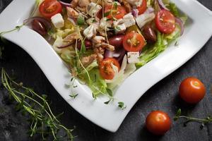 salada de frango fresco
