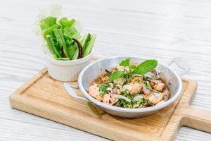 salade de saumon épicée