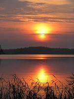 puesta de sol sobre vuoksa