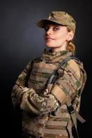 hermosa chica del ejército