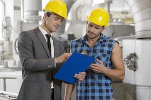 ingenieros industriales en el sitio