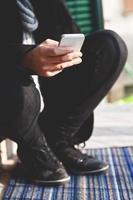 usando un teléfono inteligente