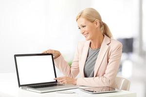 Financial assistant with laptop