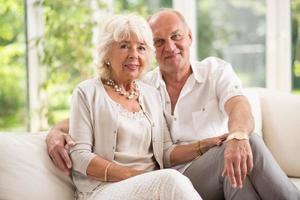 pareja senior amorosa