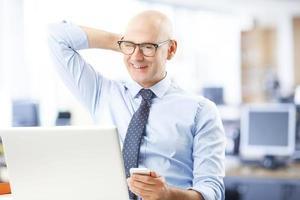 retrato de homem de negócios sênior