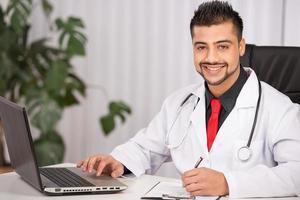 doctor indio foto