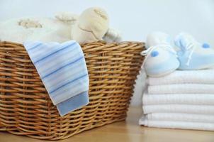 ropa de bebé azul