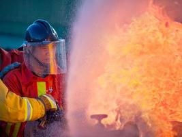 entrenamiento de bomberos foto