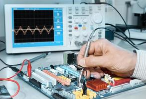 Electronics repair service