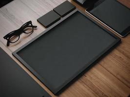 Elementos en blanco de negocios en una mesa de madera. Render 3d foto