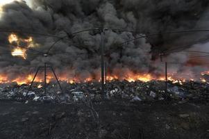 bombeiros e incêndio industrial / bomberos y fuego industrial