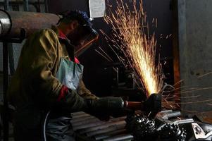 action of rock bit welding photo