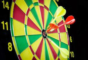 dart hitting a target photo