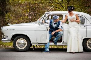 retro wedding car