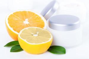 crema facial de belleza con vitamina c foto