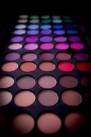 sombras de ojos multicolores. foto