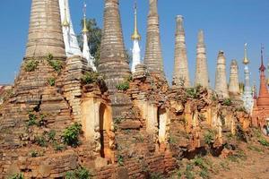 Shwe Inn Dain Pagoda complex