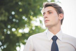 joven guapo elegante modelo rubia hombre