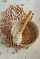 Chickpeas and sesame seeds