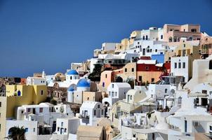 casas coloridas de santorini foto