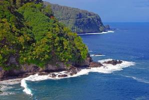 costa escarpada y acantilados de kauai, hawaii