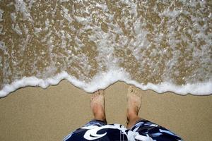 océano y pies