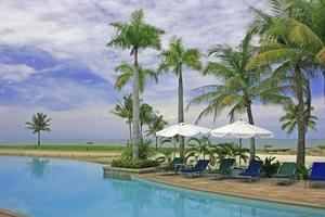 piscina de resort de lujo
