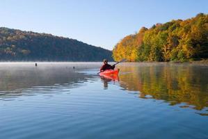 relajante otoño kayak