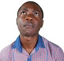 Hombre africano amigable aislado fondo blanco. foto
