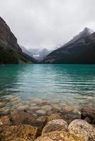foto del paisaje del lago louis