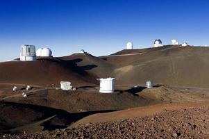 Telescopios en la cumbre de Mauna Kea, Hawaii. foto