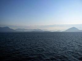 montañas oceánicas foto