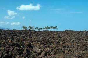 a través de la llanura de lava