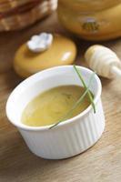 Zweedse honing-mosterdsaus